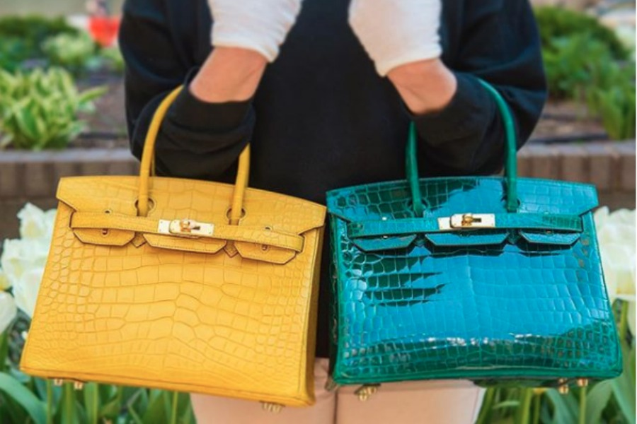 75c7a9ecaa95 A Guide to Buying Your First Exotic Hermes Bag